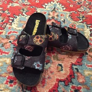 New Loudmouth Sugar Skull Frankie Sandals Sz 6